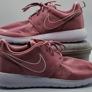 Nike Roshe One Girl's Size 6Y Elemental Pink NEW